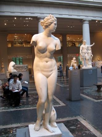 Marble_statue_of_Aphrodite-Metropolitan_Museum_of_Art